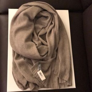 GAP Accessories - Gap over sized knit scarf